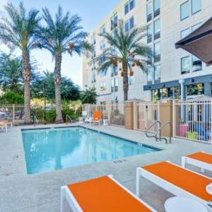 Hotels near Phoenix Municipal Stadium - Aloft Phoenix Airport