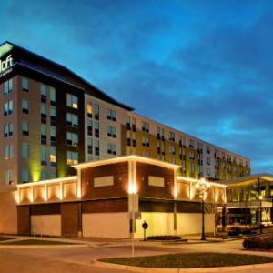 Hotels near Overland Park International Trade Center - Aloft Hotel Leawood Overland Park