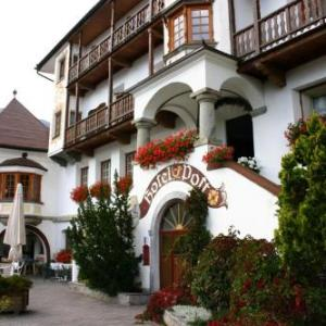 Book Now Hotel Post (San Valentino alla Muta, Italy). Rooms Available for all budgets. Set in San Valentino alla Muta in South Tyrol Hotel Post offers Alpine-style rooms with lake or mountain views. This 900-year old hotel boasts free sauna access a solarium and