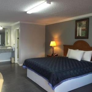 Hotels near Greater St. Matthews Baptist Church Houston SE - Best Way Inn Houston