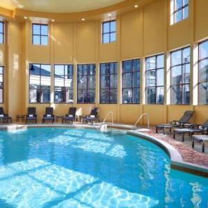 Genevieve Green Gardens Hotels - Bloomington-normal Marriott Hotel & Conference Center