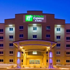 Riverfront Park Mankato Hotels - Holiday Inn Express Hotel & Suites Mankato East
