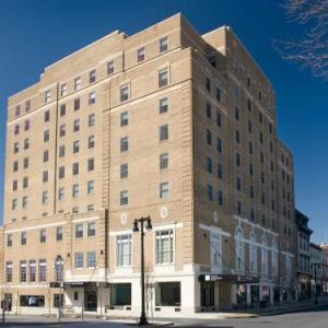 Hotels near Two Rivers Landing Easton - Grand Eastonian Suites Hotel