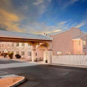 Super 8 Motel - Yucca Valley/Joshua Tree Nat Pk Area