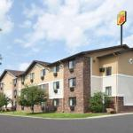 Super 8 by Wyndham Canton/Livonia Area