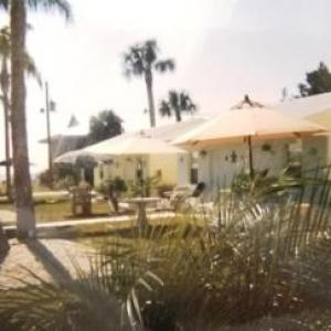 Tropical Bay Inn Suites