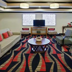 Reynolds Performance Hall Hotels - La Quinta Inn & Suites Conway