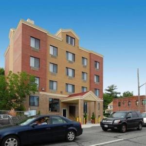 Hotels near Belmont Park Racetrack - Quality Inn Floral Park