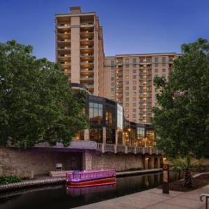 Hotels near Sunken Garden Theater - Embassy Suites San Antonio Riverwalk-Downtown