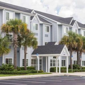 Hotels near Frank W. Springstead High School - Microtel Inn & Suites By Wyndham Spring Hill/Weeki Wachee