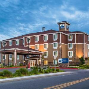 Hotels near Toyota Center Tri-Cities - Red Lion Inn & Suites Kennewick Convention Center