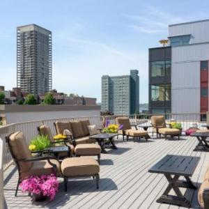 Hard Rock Cafe Seattle Hotels - Belltown Inn