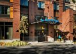 Bainbridge Island Washington Hotels - Staypineapple At The Maxwell Hotel
