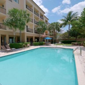 Hotels near Coral Springs Center for the Arts - Courtyard By Marriott Coral Springs