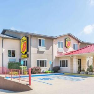Super 8 By Wyndham Bloomington