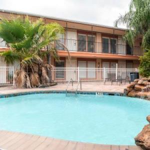 OYO Hotel & Apartments Houston Galleria