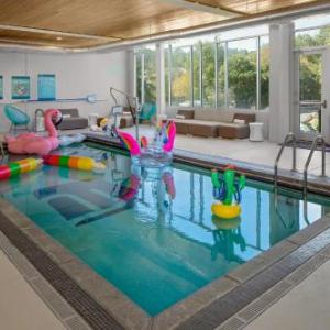 Dean E Smith Center Hotels - Aloft Chapel Hill