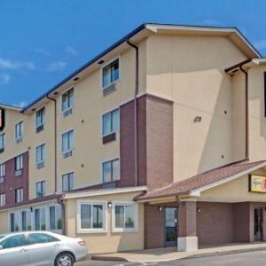 Super 8 By Wyndham Nashville/ Dntn/ Opryland Area