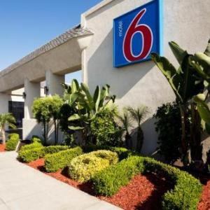 Orange County Event Center Hotels - Motel 6 Newport Beach