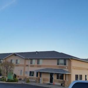 Dodge City Raceway Park Hotels - Super 8 Dodge City