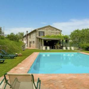 Book Now Locazione Turistica Casale Cap (Celle sul Rigo, Italy). Rooms Available for all budgets. Locazione Turistica Casale Cap is a holiday home located in Celle sul Rigo 34 km from Saturnia. This country house features a seasonal outdoor pool and free WiFi.The kitchen f