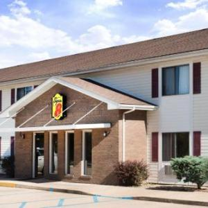 Hotels near West Plains Civic Center - Super 8 - West Plains