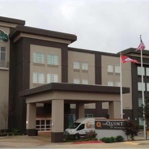 La Quinta Inn & Suites By Wyndham West Little Rock