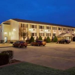 Memorial Auditorium Pittsburg Hotels - Super 8 Motel - Pittsburg
