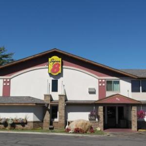 Hotels near John S. Glas Fieldhouse - Super 8 Motel - Bemidji