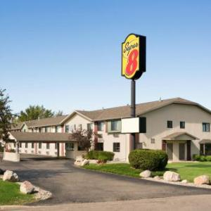 Hotels near Alexandria Area Arts Association - Super 8 Alexandria MN