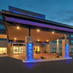 Summit Motorsports Park Hotels - Super 8 By Wyndham Milan/Sandusky Area