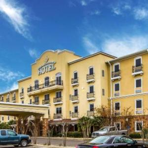Evangeline Downs Racetrack and Casino Hotels - Evangeline Downs Hotel Ascend Hotel Collection