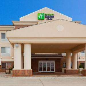 Holiday Inn Express Suites Yankton Hotel