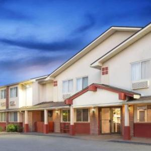 Hotels near BSP Kingston - Super 8 by Wyndham Kingston