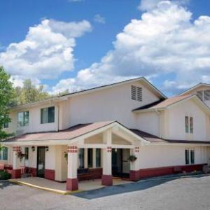 Super 8 Motel - Newburgh
