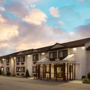 Palisades Center Hotels - Super 8 Nyack NY