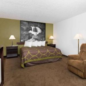 Hotels near Shec Community Center - Super 8 Missoula / Brooks Street