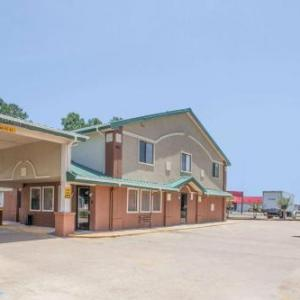 Super 8 By Wyndham Natchitoches