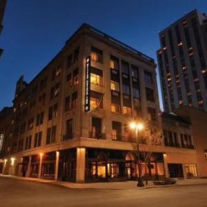 Blue Cross Arena Hotels - Hilton Garden Inn Rochester Downtown