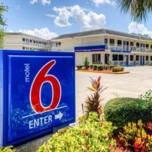 Manatee County Fair Hotels - Motel 6 Bradenton