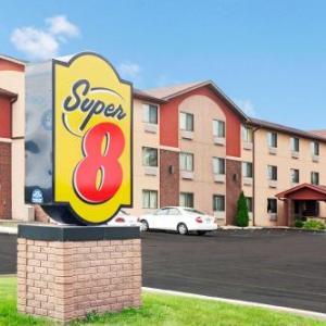 Super 8 by Wyndham Romeoville Bolingbrook