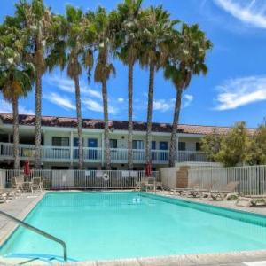 Glass House Pomona Hotels - Motel 6-Pomona CA - Los Angeles