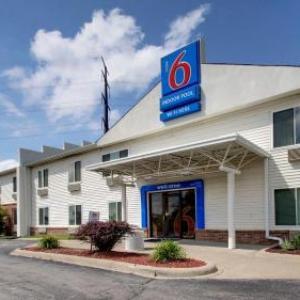 Hotels near Prairie Meadows - Motel 6 Des Moines East -Altoona