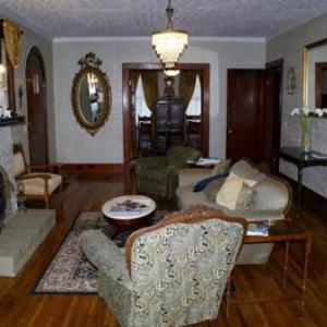 Inn The Oaks Decatur