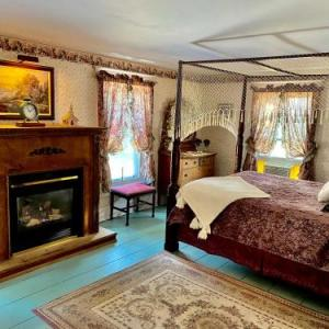 The Bella Ella Bed And Breakfast