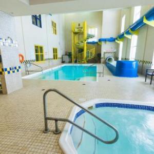Revolution Place Hotels - Redwood Inn & Suites