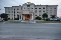 Holiday Inn Express And Suites Del Rio Image