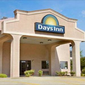 Hotels near Marietta Country Club - Days Inn Kennesaw/Atlanta