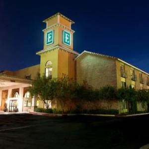 Hotels near Jake's Sports Cafe Lubbock - Embassy Suites Hotel Lubbock Tx
