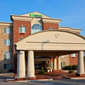 Hotels near Singletary Center for the Arts - Holiday Inn Express Hotel & Suites Lexington-Downtown/University